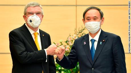 Thomas Bach met Japan's Prime Minister Yoshihide Suga.