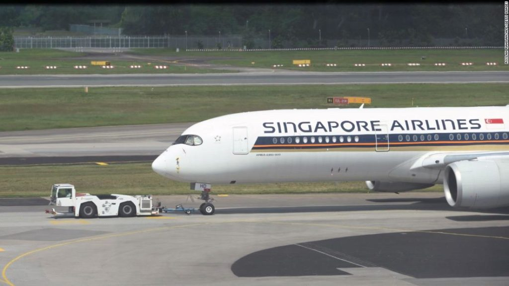 Singapore to launch special lane for business travelers from all countries