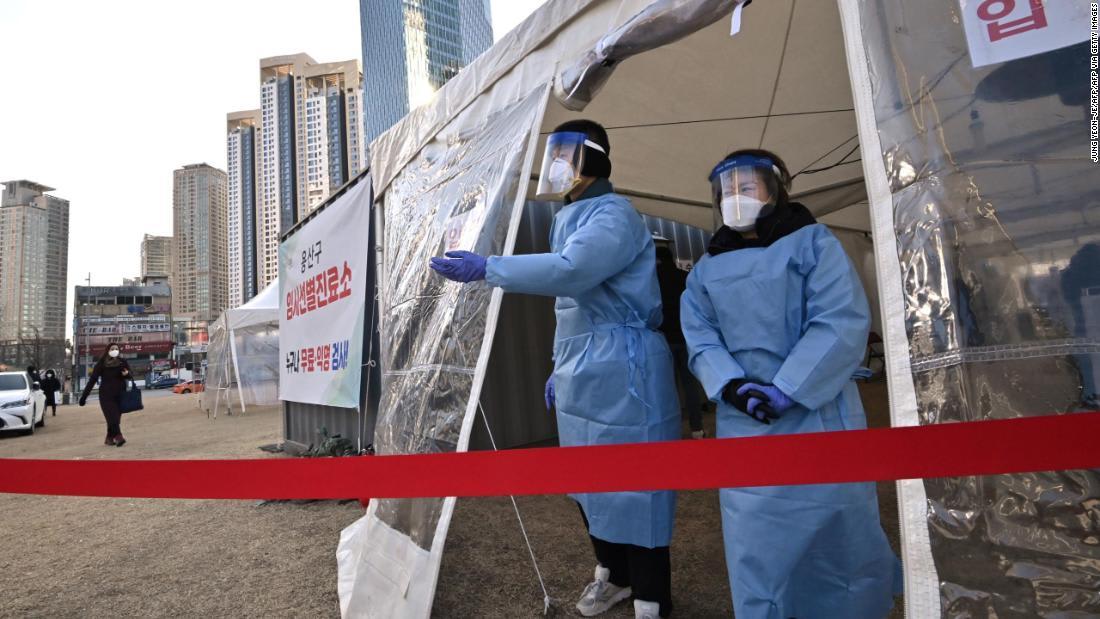 South Korea warns of potential lockdown as coronavirus numbers rise