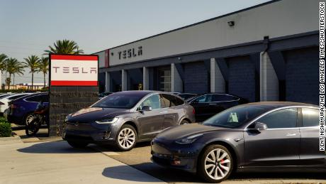 Tesla, already worth $600 billion, wants to raise another $5 billion in stock