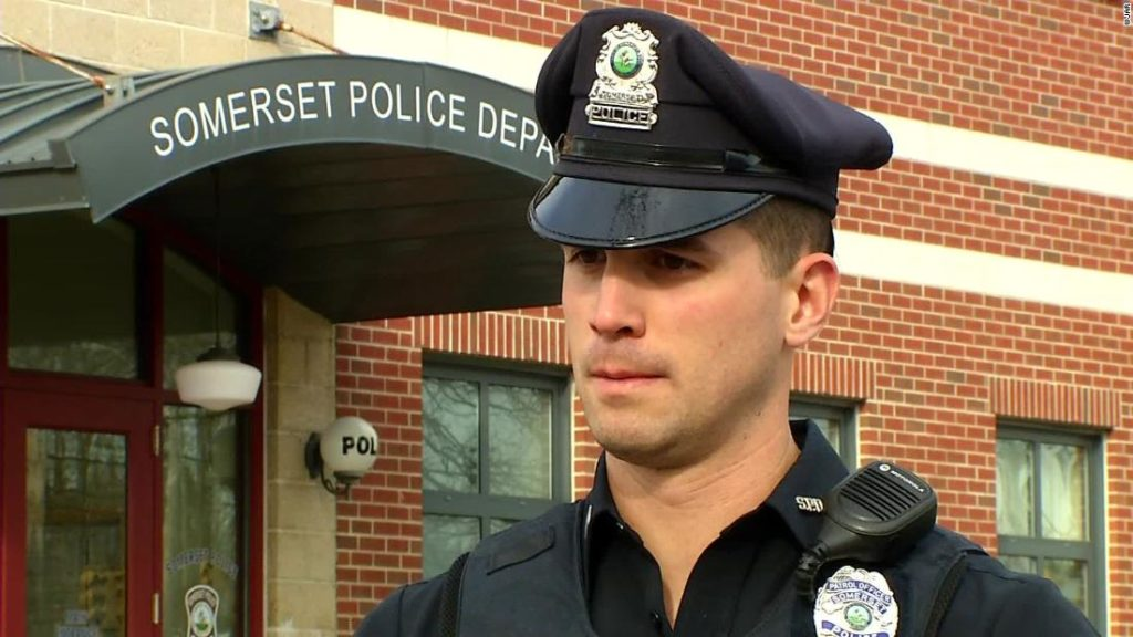 Police officer's kind act helps family in need