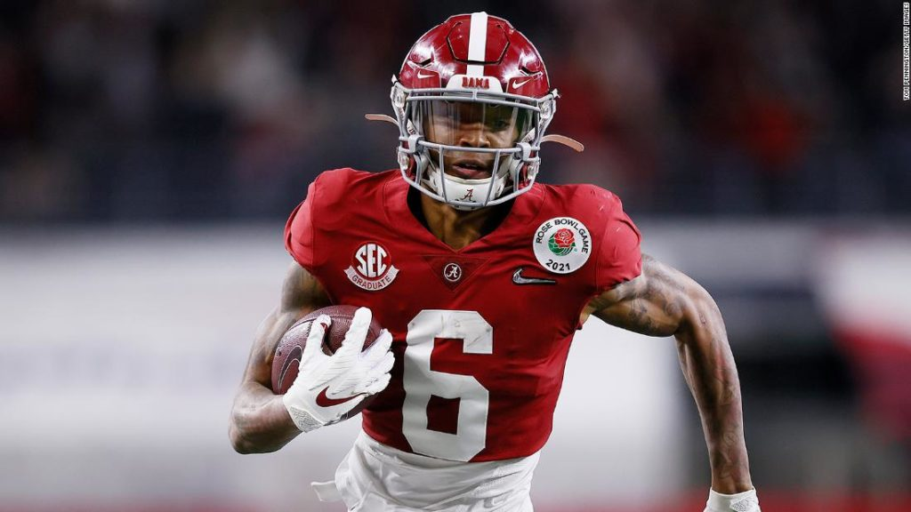 DeVonta Smith of Alabama becomes first wide receiver to win Heisman Trophy in 30 years