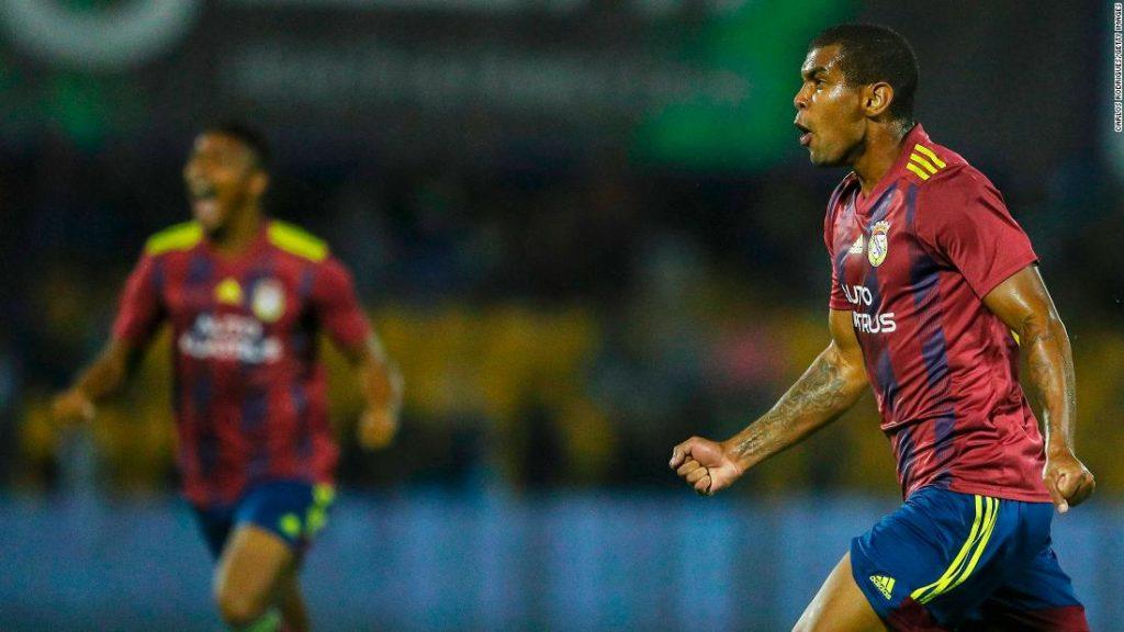 Football player Alex Apolinario dies aged 24