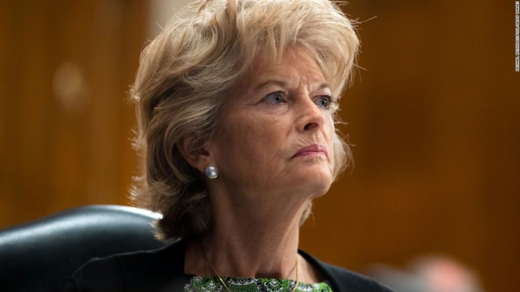 Murkowski becomes first GOP senator to call on Trump to resign