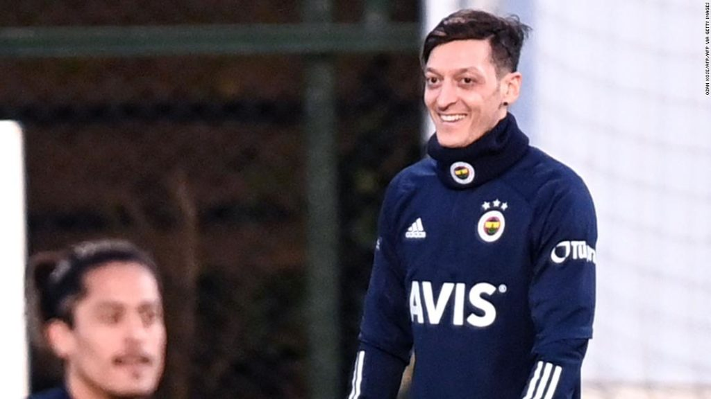 Mesut Ozil joins Fenerbahce from Arsenal as he vows to be a 'Gunner for life'