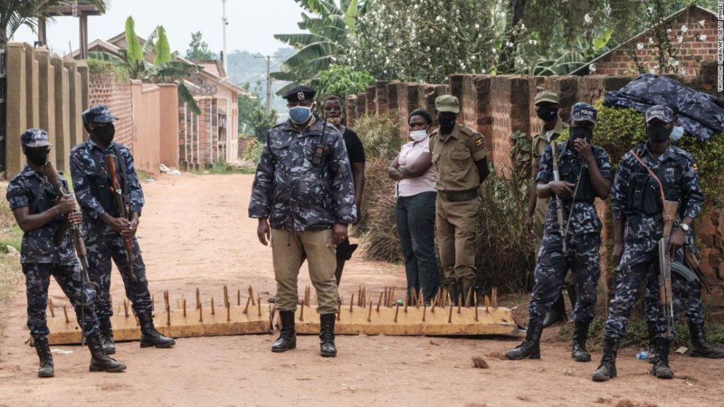 Uganda security forces withdraw from Bobi Wine's home