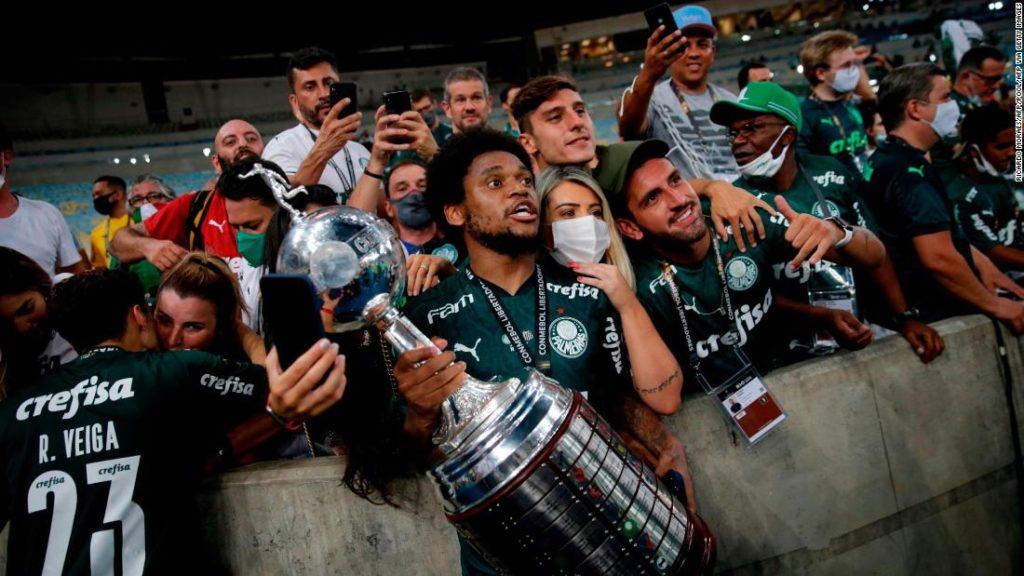 Copa Libertadores: Palmeiras fans gather to celebrate dramatic win