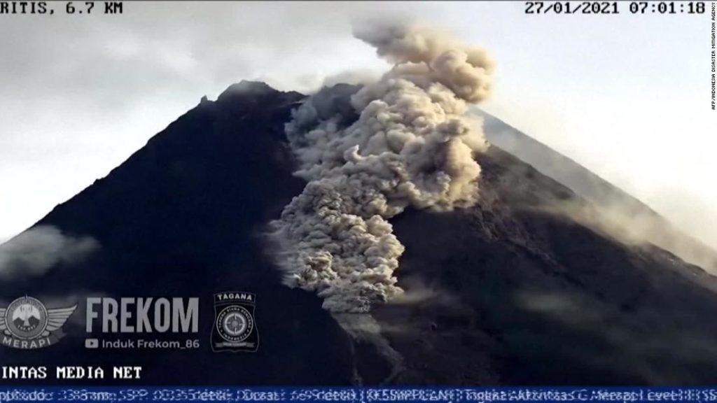 Hundreds flee as volcano spews ash and smoke