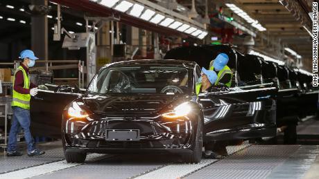Tesla hit half-million car target in 2020