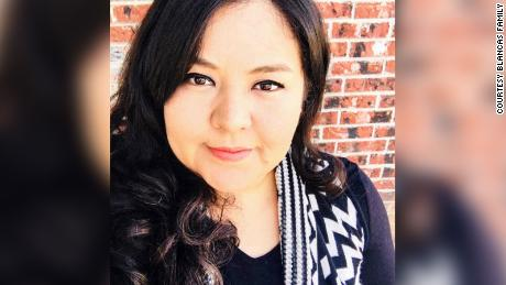El Paso teacher whose video of students hugging became a national sensation dies from Covid-19