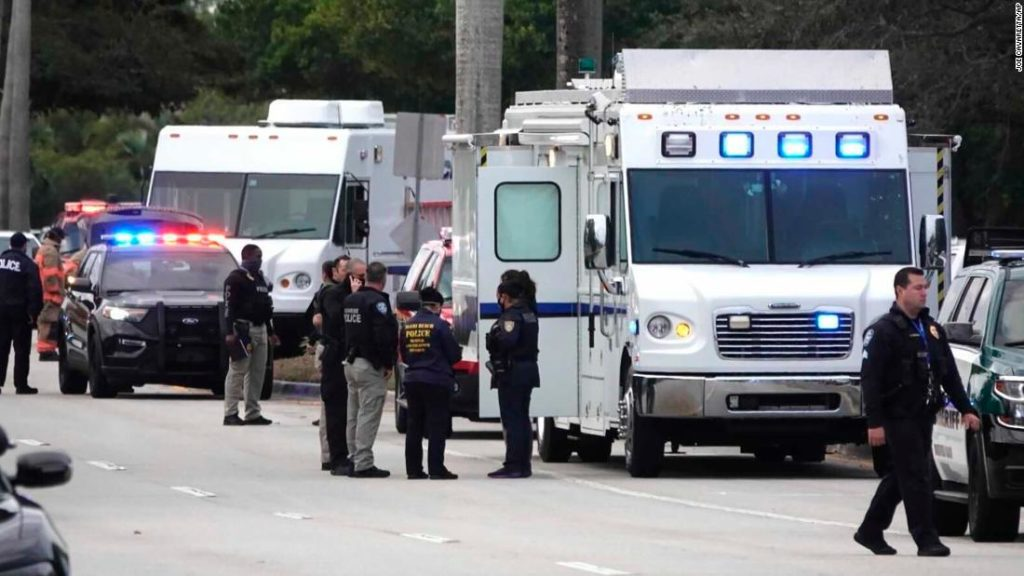 Two FBI agents killed and three agents injured in shootout in Sunrise, Florida