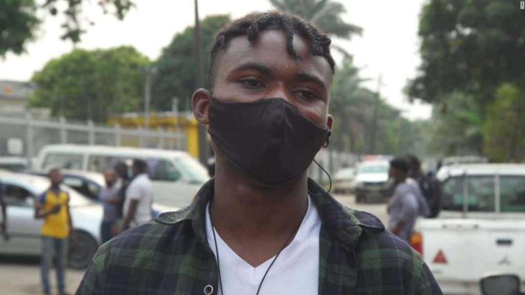 Nigerians speak out against new sim card registration policy
