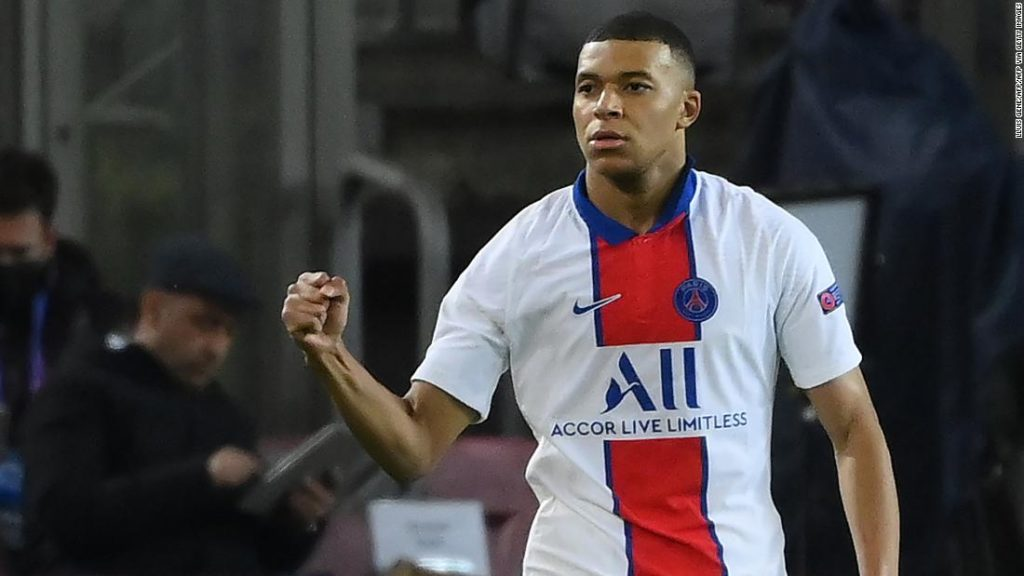 Kylian Mbappe outshines Lionel Messi in the Champions League