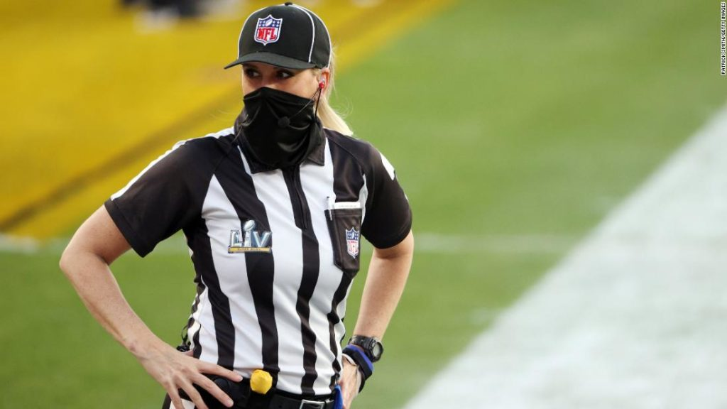 NFL: Kicked out of basketball, Sarah Thomasmade it to the Super Bowl