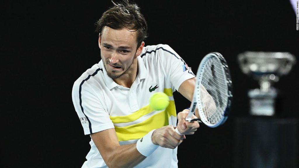 Daniil Medvedev advances to debut Australian Open final with dominant win over Stefanos Tsitsipas