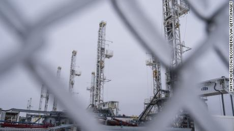 US oil rises above $60 as Texas gets pummeled with ice and snow