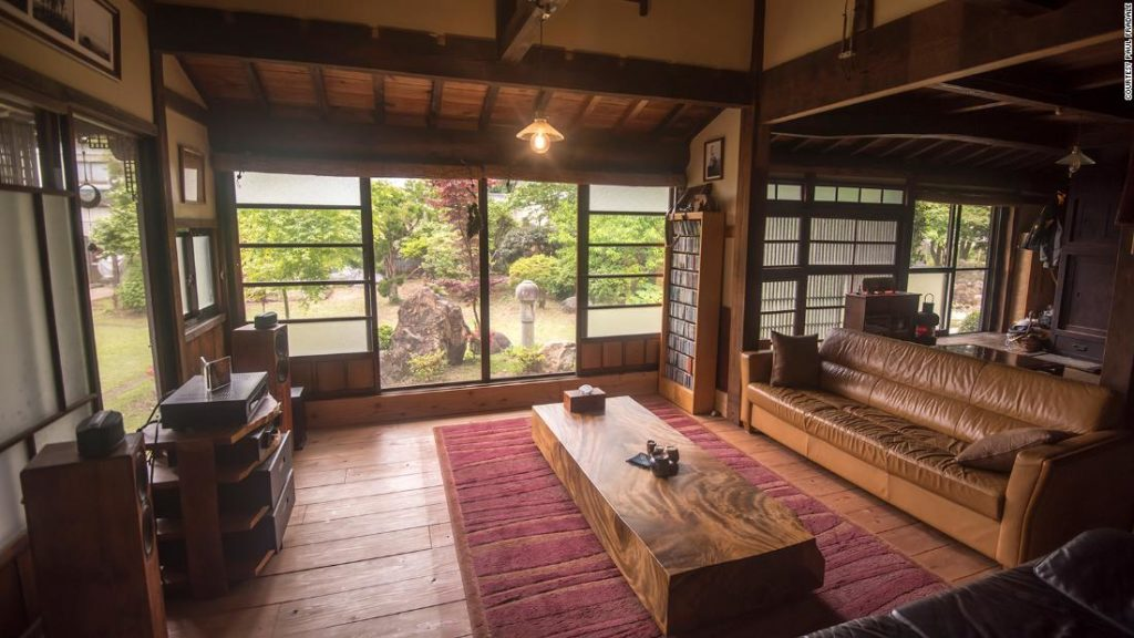 Expats buy their dream house in Japan's countryside