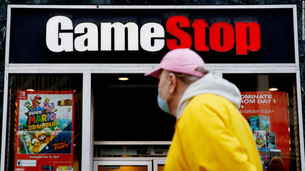 GameStop earnings fall short of expectations, but online sales offer some hope