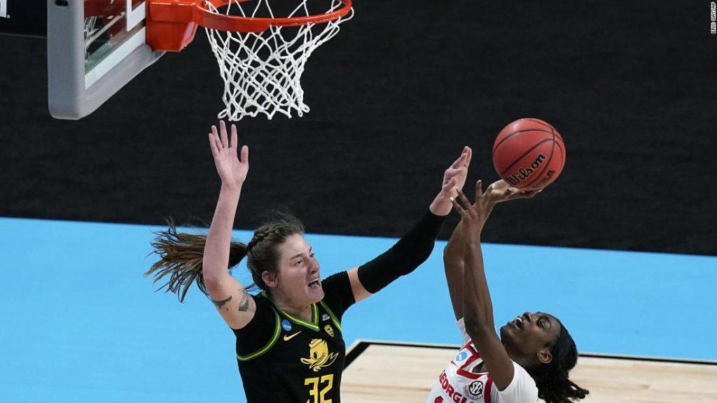 Sedona Prince of the Oregon Ducks leads team to Sweet 16 in NCAA women's basketball tournament with win over Georgia