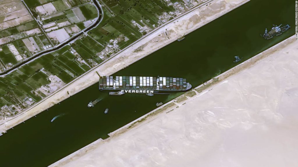 Suez Canal: to free the container ship authorities need to remove up to 706,000 cubic feet of sand