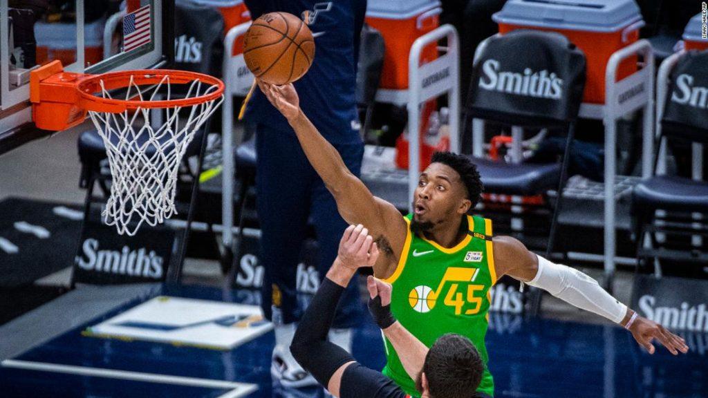 Donovan Mitchell: Utah Jazz extend home win-streak to 23 behind Spida's 37