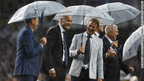 Erik Thorstvedt (center) speaks with Teddy Sheringham (right) during the closing ceremony of Tottenham's White Hart Lane stadium in 2017.
