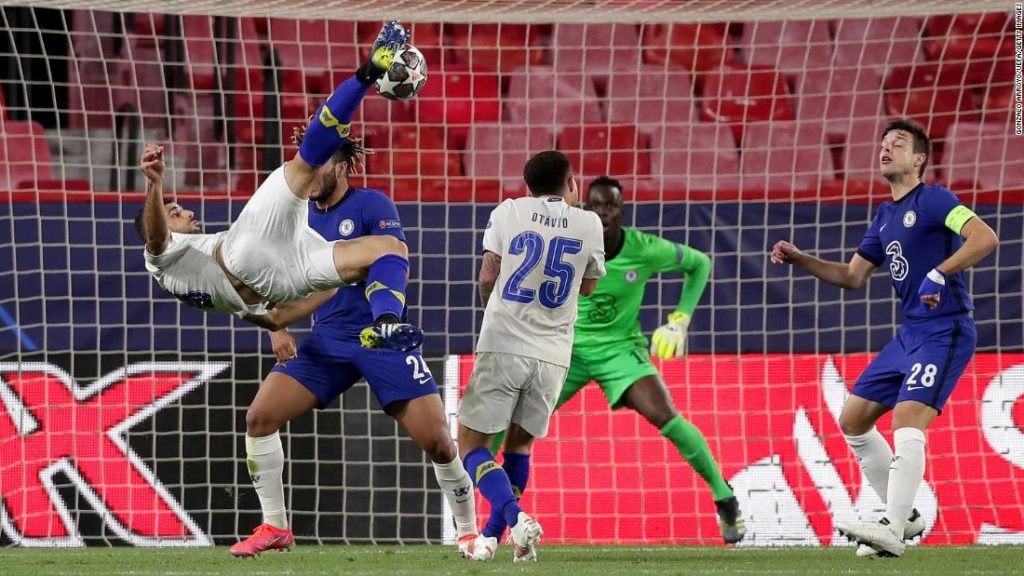 Mehdi Taremi scores an extraordinary goal in the Champions League