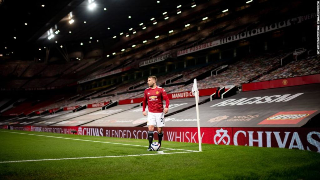 Manchester United change seat covering colors to improve home form