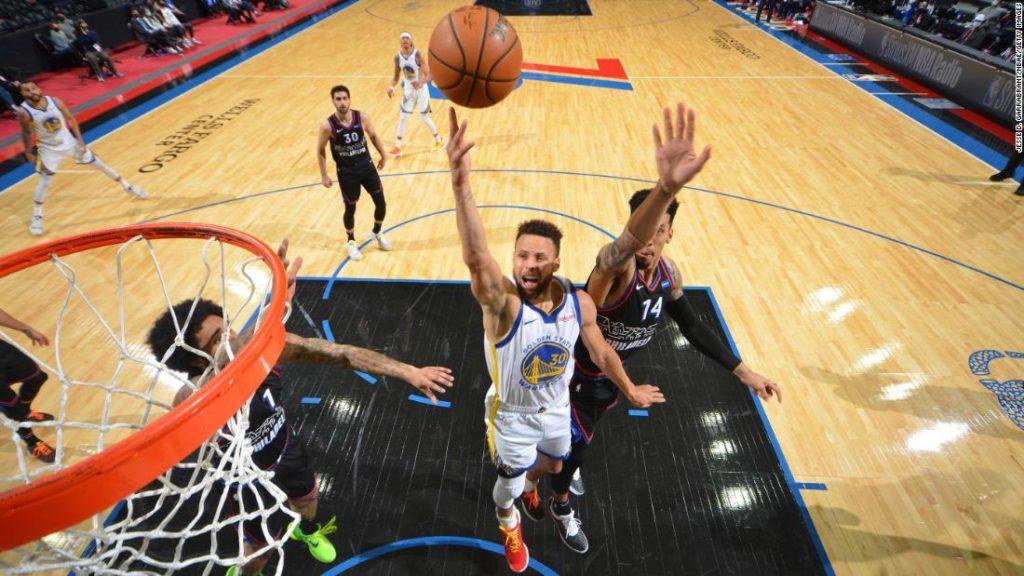 Steph Curry breaks Kobe Bryant, Michael Jordan records as he continues historic scoring streak