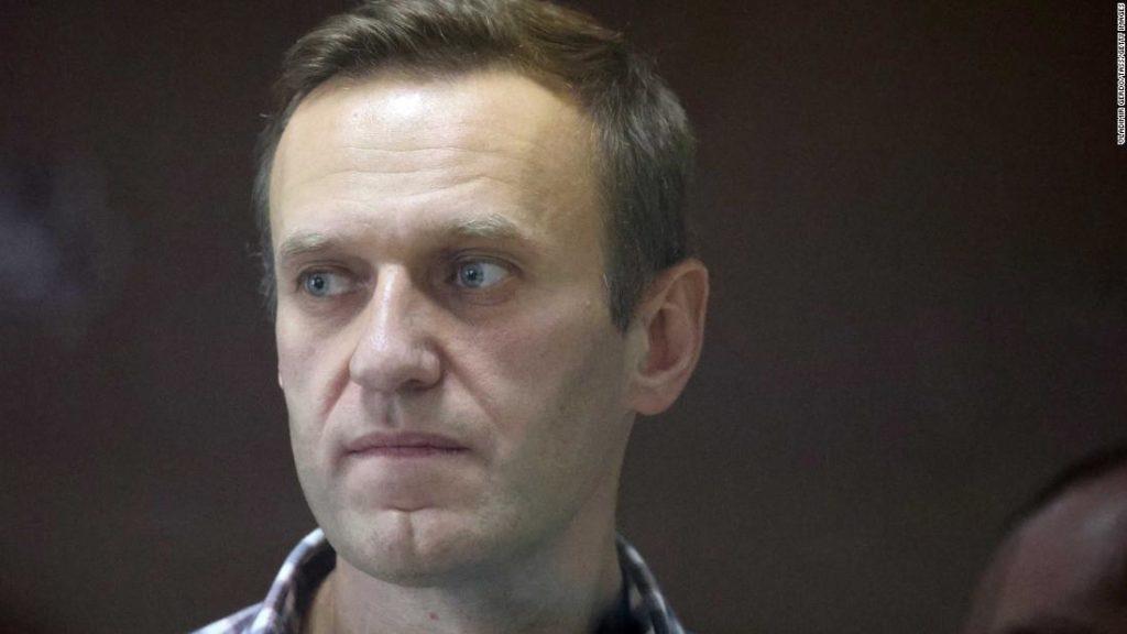 Alexey Navalny ends hunger strike