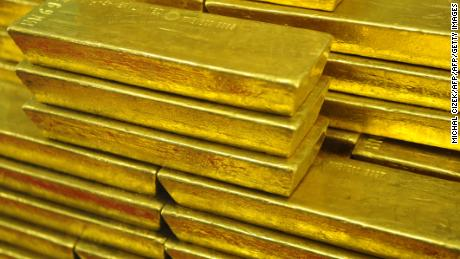 Gang arrested over alleged $80 million gold scam in Hong Kong