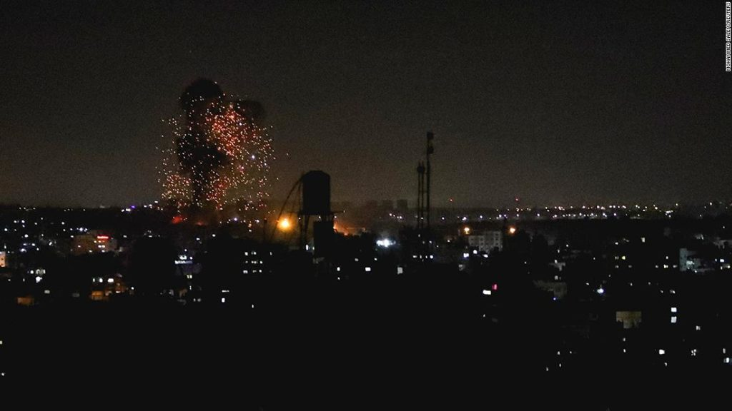 Israeli military strikes Gaza for second time this week, after incendiary balloons spark eight fires in southern Israel