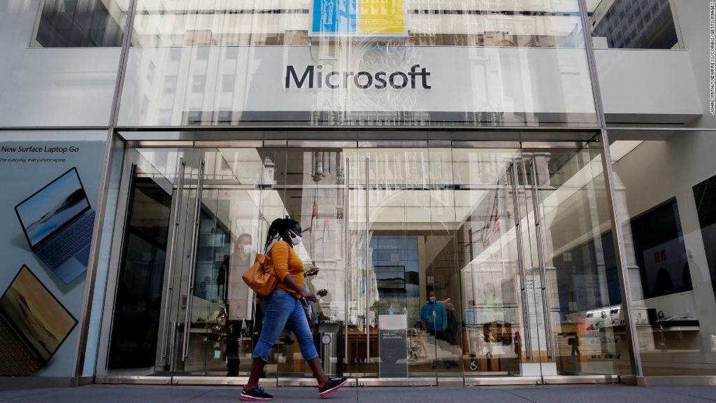 Microsoft reaches a $2 trillion market cap