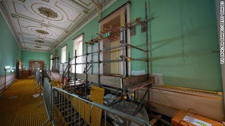 To accommodate the essential renovations, around 3,000 pieces from the Royal Collection had to be decanted from the East Wing for protection.