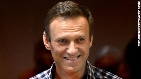 Amnesty apologizes to Kremlin critic Alexey Navalny as it restores his 'prisoner of conscience' status