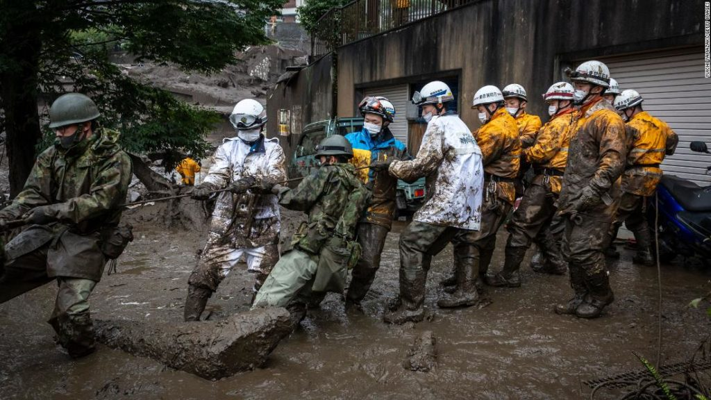 Japan mudslide: Rescue workers in Atami search for 80 people feared missing
