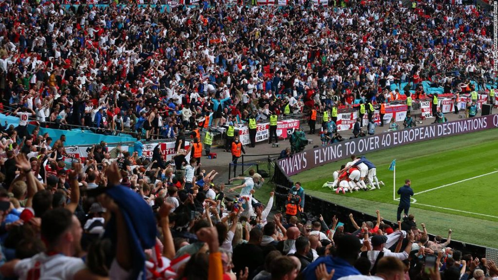 Euro 2020: Staging semis and final in London is 'recipe for disaster.' Is football -- and Covid-19 spike -- coming home?