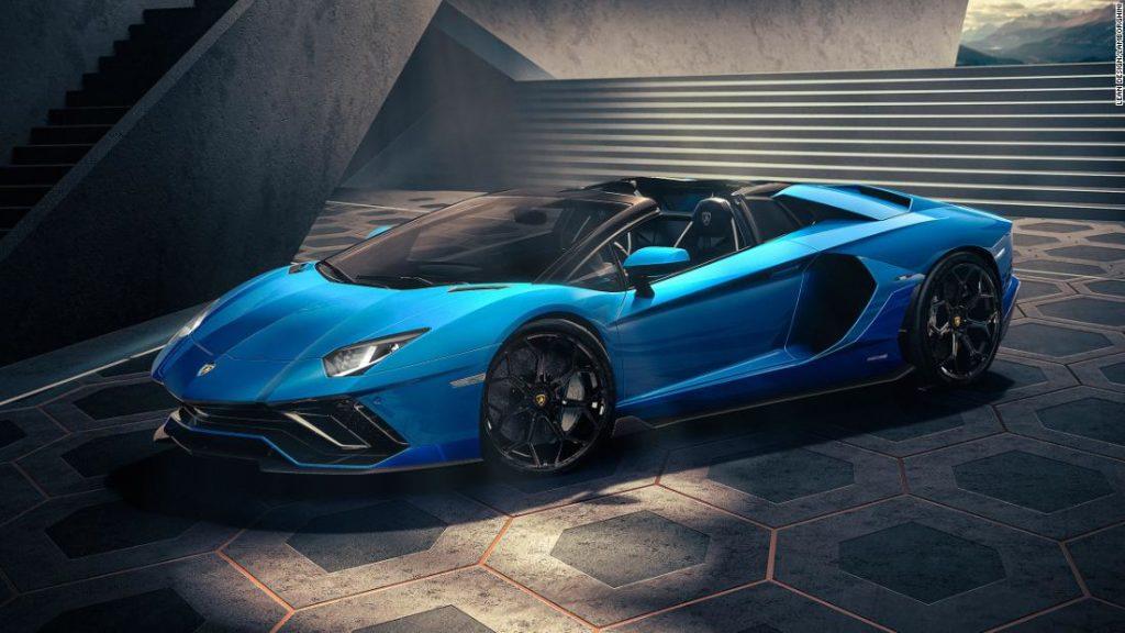 Lamborghini and Lotus unveil last gasoline-only supercars