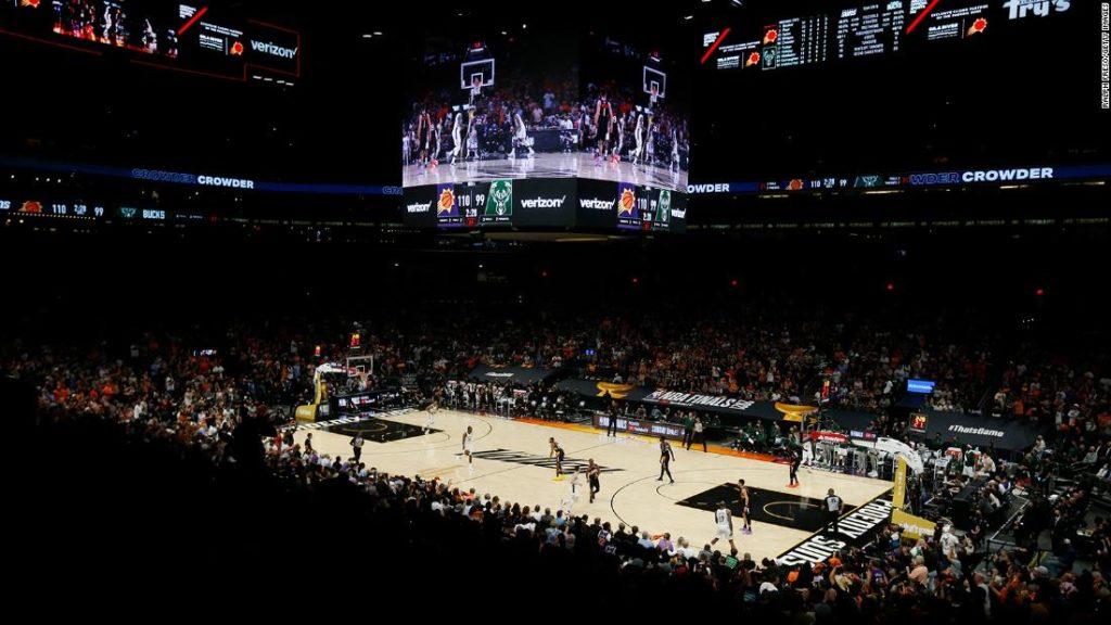 NBA Finals: Suns overcome Giannis Antetokounmpo's 42, grab 2-0 lead