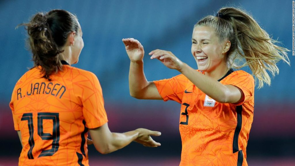 Netherlands thrashes Zambia 10-3 in women's football tournament to set new Olympics record