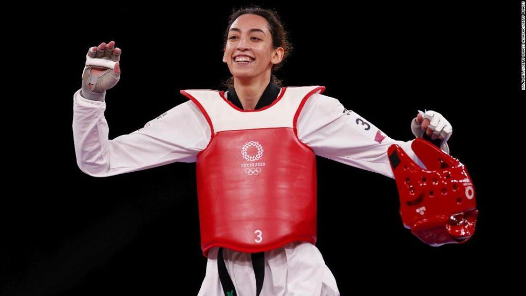 Kimia Alizadeh: Iranian defector from Olympic Refugee Team stuns two-time Olympic taekwondo champion