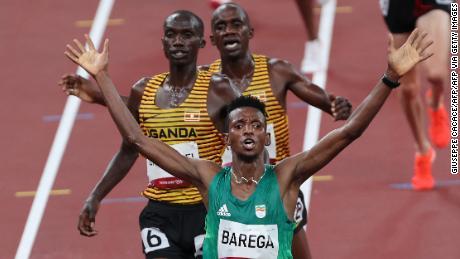Barega finishes ahead of Cheptegei and Kiplimo.