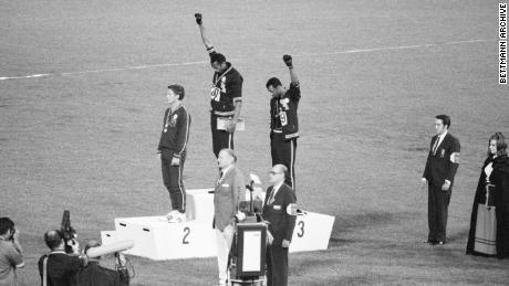 Olympic greats call on IOC to allow podium protests