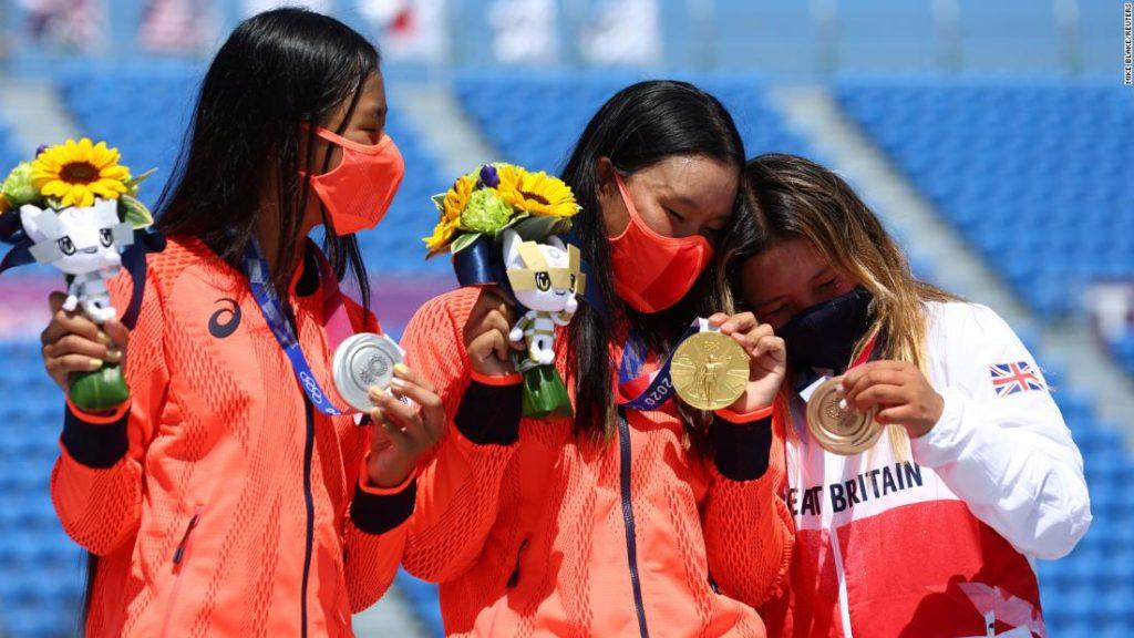 Sky Brown: How 13-year-old British skateboarder was urged on to bronze by gold medal winner Sakura Yosozumi