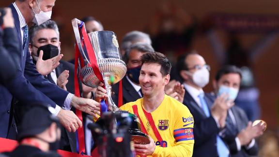 Lionel Messi lifts the Copa del Rey after beating Athletic Bilbao.