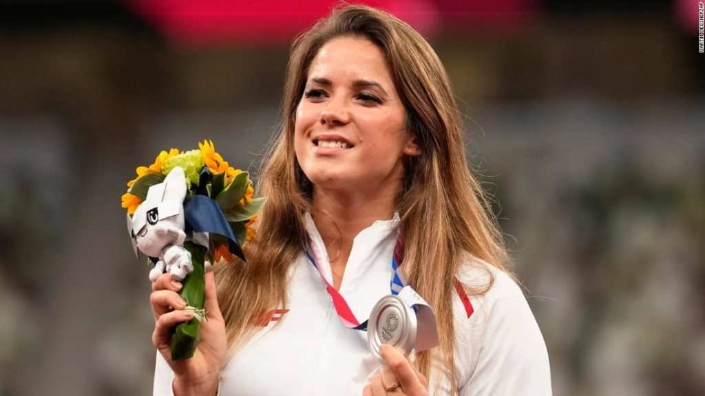 Maria Andrejczyk: Polish javelin thrower auctions Tokyo 2020 silver medal to help 8-month-old get heart surgery