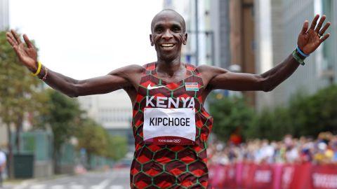 Kipchoge celebrates his Olympic marathon victory in Sapporo.