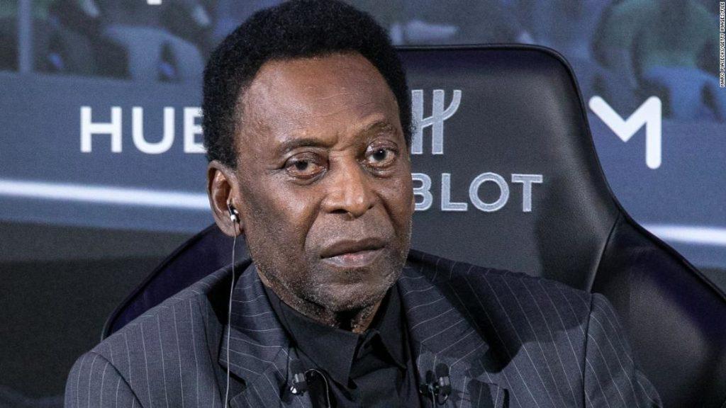 Pele announces surgery to remove tumor