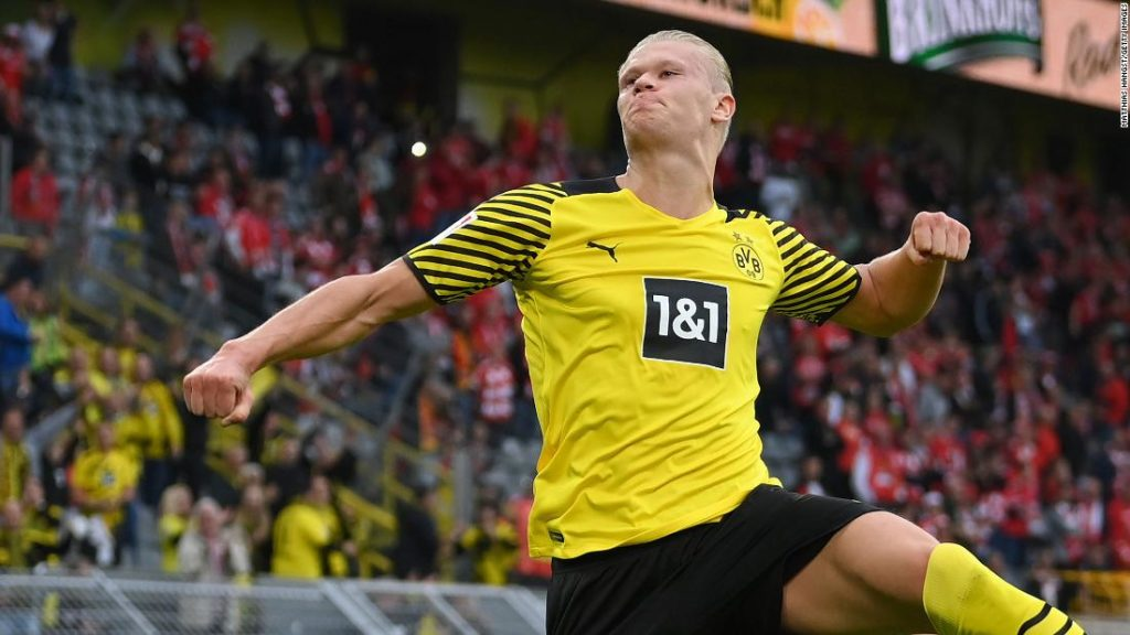 Erling Haaland scores stunning lob to continue incredible Borussia Dortmund scoring streak