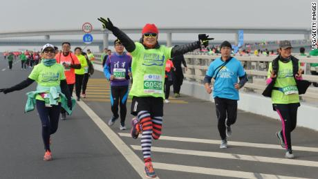 Chinese marathon official directs race winner the wrong way